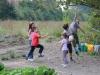 Bmabini giocano al Parco Langer